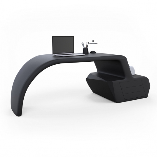 Gush Desk in Adamantx® by Alessandro Gorla Designer